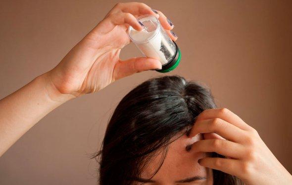 сухой шампунь в домашних